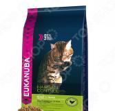 Корм сухой для домашних кошек Eukanuba Hairball Control с домашней птицей